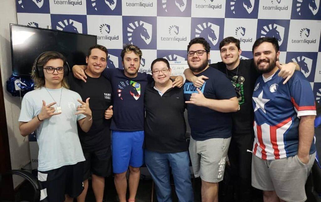 Bate-papo com Vitor Kenji, fisioterapeuta de esports de Team Liquid e Prodigy