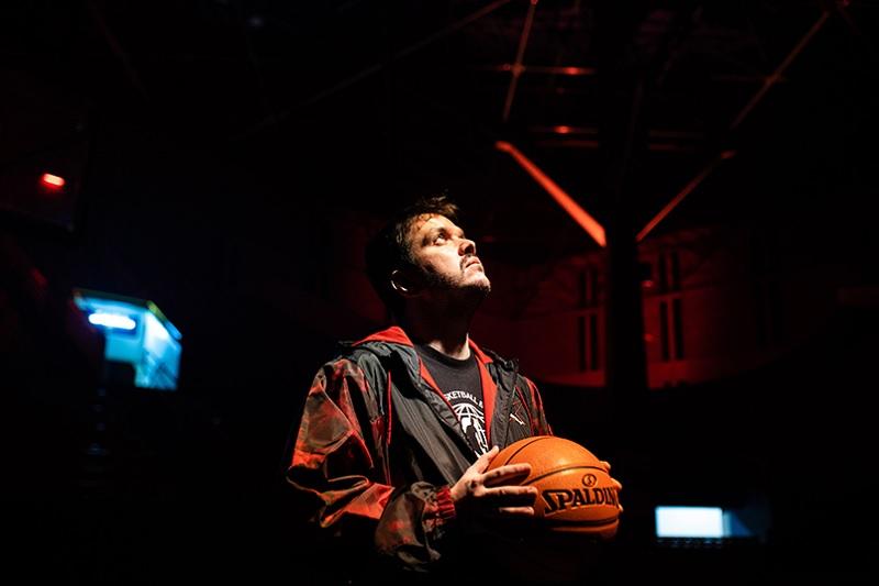 Gaules atinge pico de 142 mil espectadores na estreia da transmissão da NBA